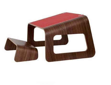 专为儿童设计的桌椅